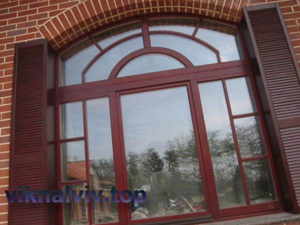 Дерев'яні вікна з меранті зі склопакетом