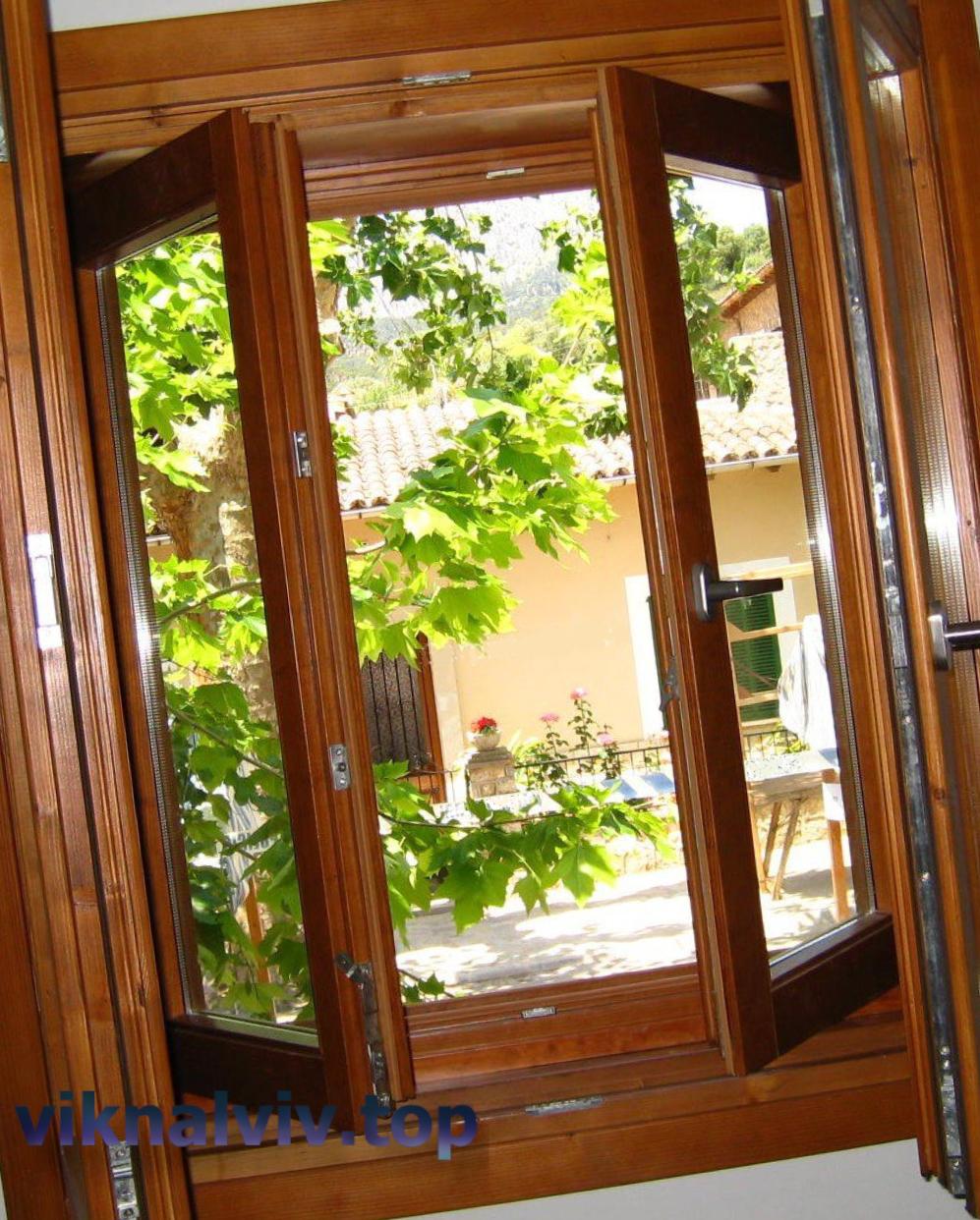 Дерев'яні вікна з масиву дуба